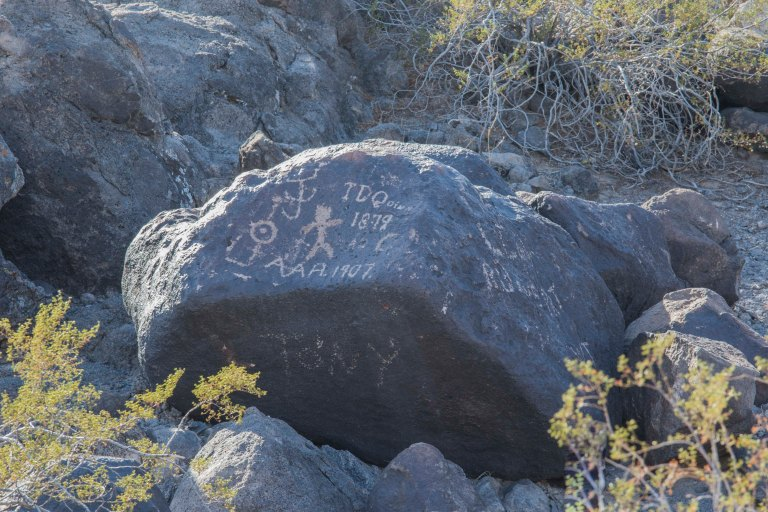 Painted Rock Petroglyph-2820