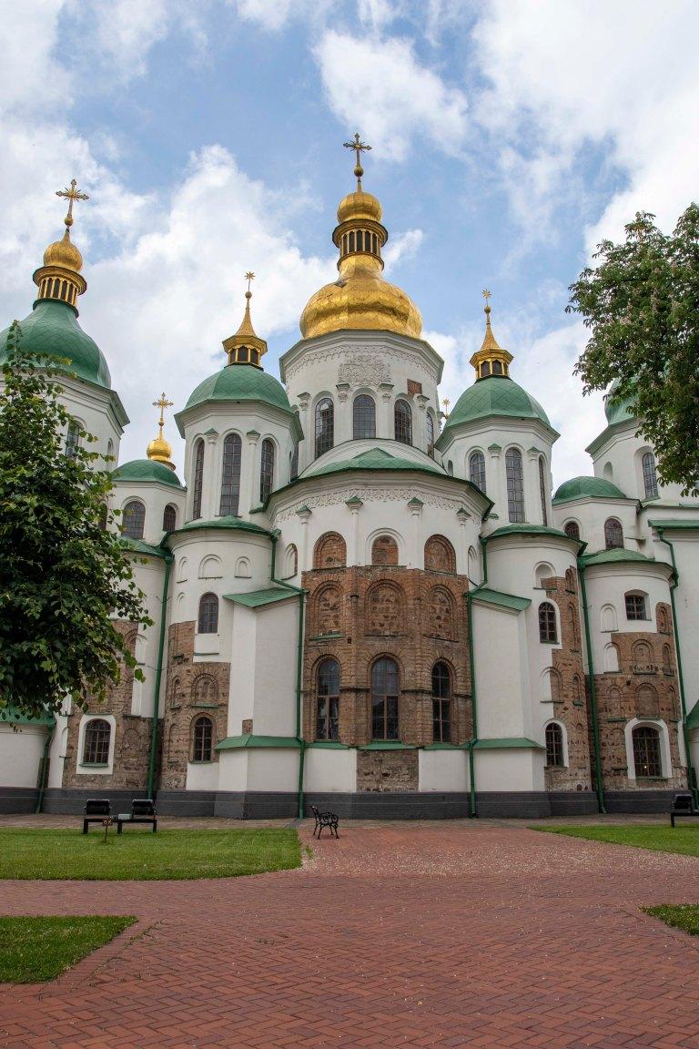 Around Kyiv-8442